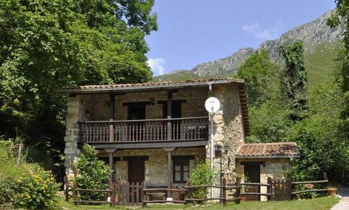 Casas rurales rio aliso alojamiento rural en los picos - Casas rurales madera ...